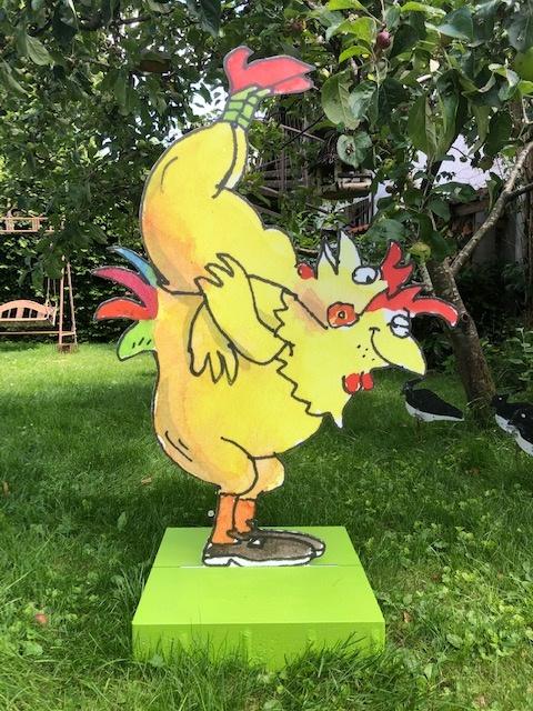 Akrobaten Hühnerskulpturen Peter-Gaymann